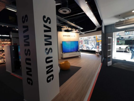 Retailink Fnac Darty pop up store Samsung QLED
